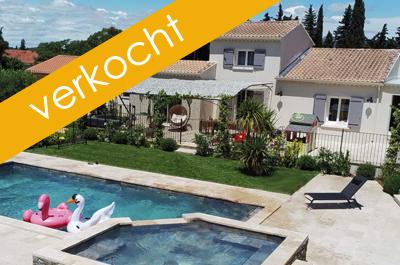 grote villa kopen met 2 gîtes, poolhouse, zwembad, 6 slaapkamers en 4 badkamers aan de Mont Ventoux, Provence