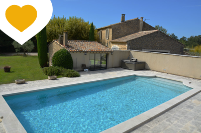 Stylishly renovated 18th century Provençal mas with heated swimming pool, located in a 8.000 m² garden and with view of the Luberon for sale