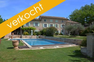 grote luxe villa kopen met zwembad, aparte conciërgewoning en wijngaard in Zuid-Frankrijk, Provence met zicht op de Mont Ventoux, vastgoed