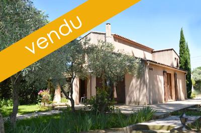 villa traditionelle avec piscine, 5 chambres et studio indépendant à vendre à Aubignan Carpentras Vaucluse