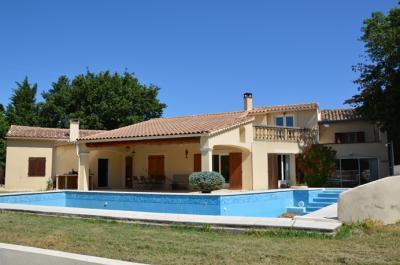 grote villa met zwembad kopen in de Provence