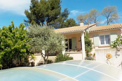 vastgoed huis kopen in de provence met zwembad en op wandelafstand van de stad